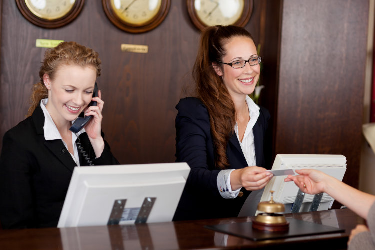 Customer Service Training Online, suitable for hotel receptionists & staff