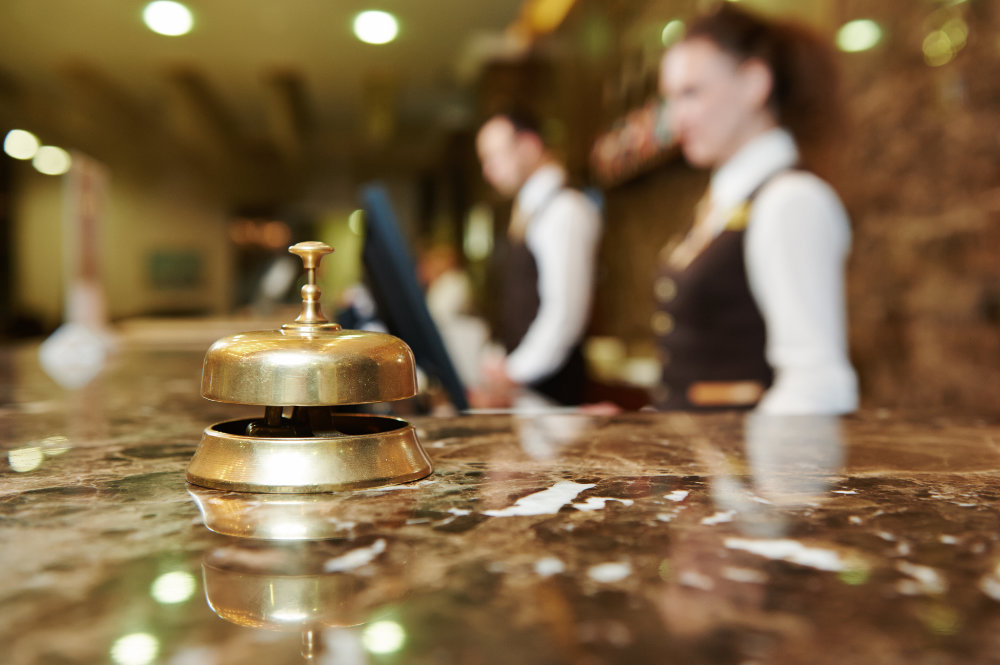 Online training courses and certification suitable for hotel receptionists